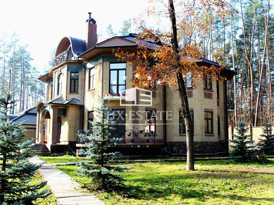 Предлагаемкупить элитную усадьбу в Киевской области(Ворзель)