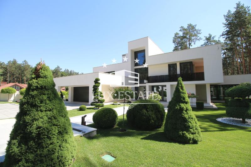 Продам Элитный дом в стиле Hi-Tech с новым ремонтом класса люкс