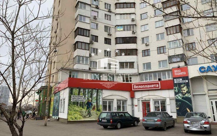 Аренда фасадного помещения 268м2 по ул. Проспект Бажана, 24/1.